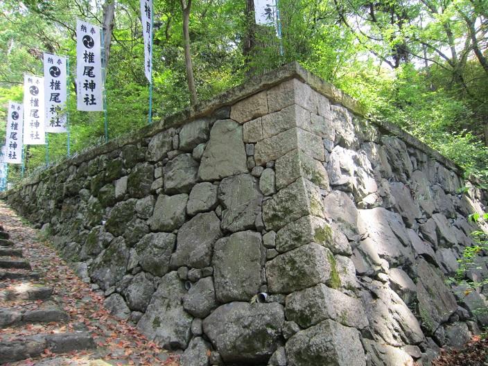 椎尾神社石垣