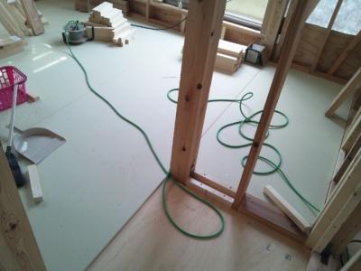 2階床ボード施工