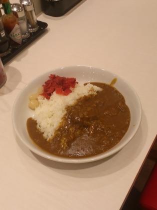 カレーハウスリオ(直営店)にてビーフカレー2