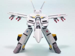 1/100可変バルキリーVF-1S 11