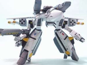 1/100可変バルキリーVF-1S 18