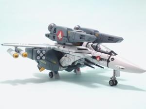 1/100可変バルキリーVF-1S 23