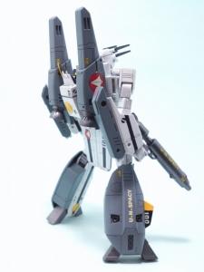 1/100可変バルキリーVF-1S 32