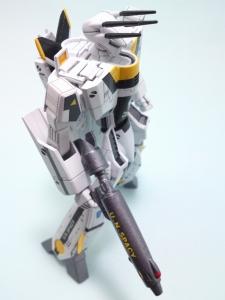 1/100可変バルキリーVF-1S 40