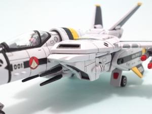 1/100可変バルキリーVF-1S 4