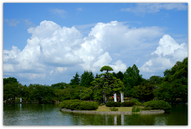 青森県 平川市 猿賀神社 さるか荘 御食事処 もてなし 中華そば 山菜そば おにぎり しゃけ