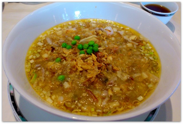 弘前 ランチ 中国料理 豪華楼 開洋葱酥湯麺
