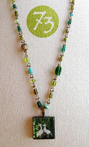 ホオジロカンムリヅルのネックレス
