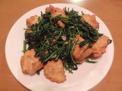8.3大豆・鶏肉揚げと空心菜の炒め物