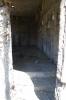 狭い入り口