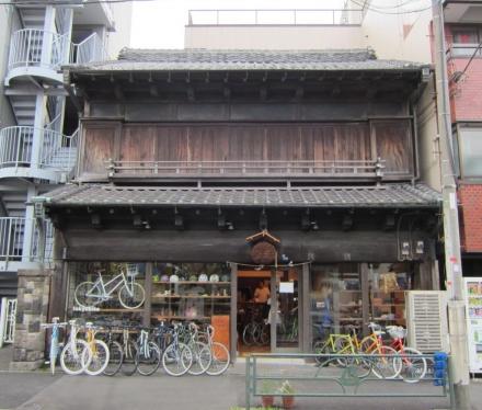三崎坂沿いの建物④ tokyobike-2