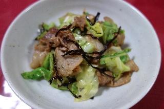 豚肉とキャベツの塩昆布炒め522