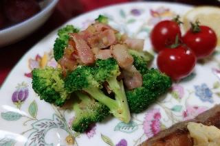 ブロッコリーのニンニク炒め617