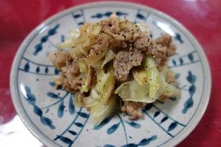 豚肉とキャベツの味噌バター炒め