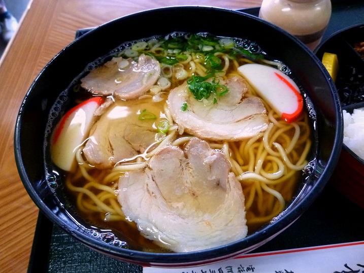 鶴丸中華そば定食4