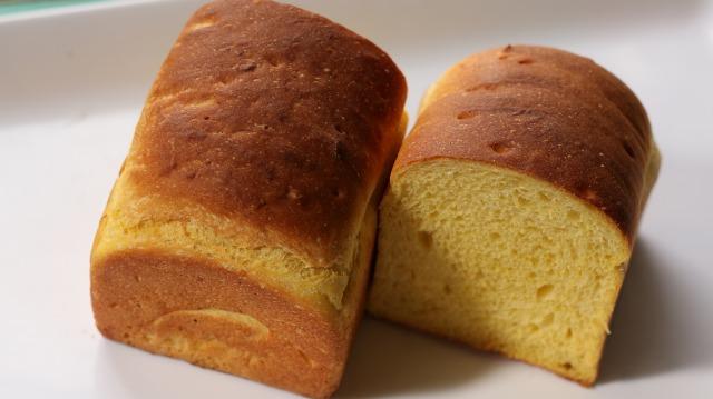 食パン 006