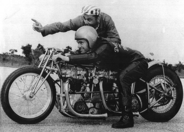 triumph-parasite-motorcycle-dragster.jpg