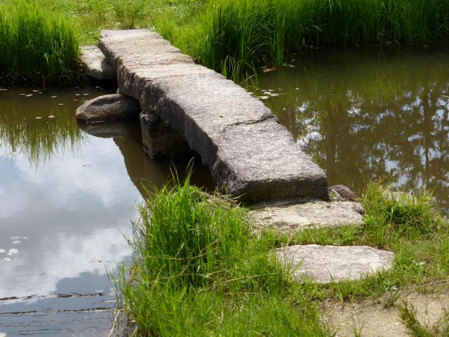 弁財天池の石橋5
