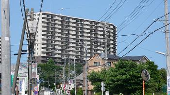 高台の分譲マンション3LDK!ペットOK!72.87平米!広ーい専用庭付!12万円!
