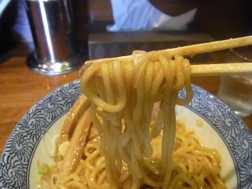 自家製ストレートの太麺