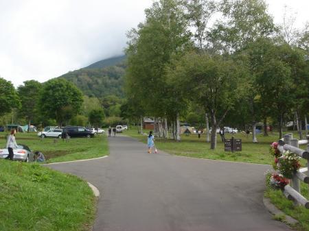 早朝から賑やかなキャンプ場