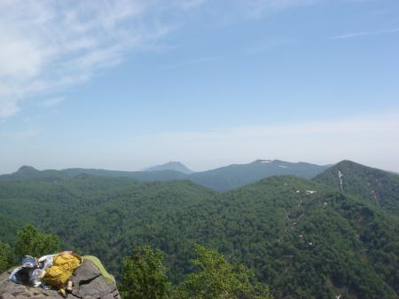 左 空沼岳 中央 恵庭岳