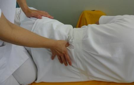 腰方形筋触診