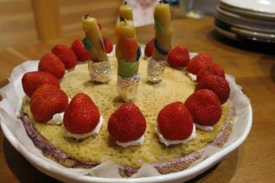 ヒロ4th誕生日ケーキ_convert_20140612010113