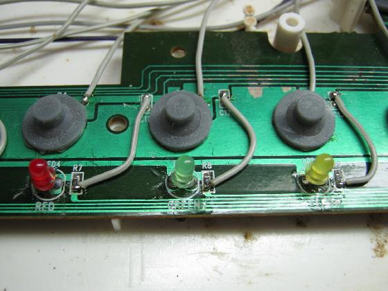光るファーストピアノの修理実装4