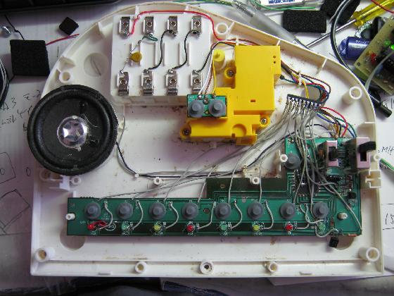光るファーストピアノの修理実装7