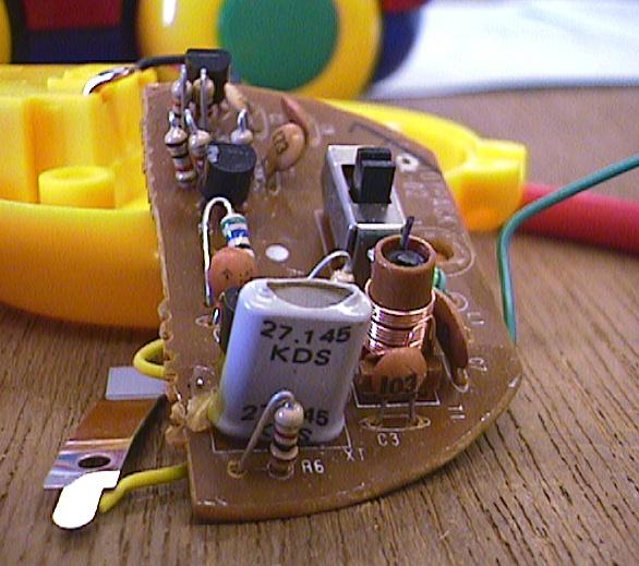 ラジコン自動車の修理(送信機コイル半田浮き)診察1