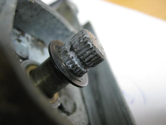 車のワイパーギヤ破損の修理診察
