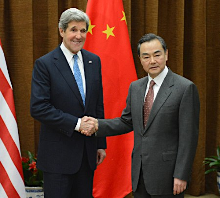 アメリカ・ケリー国務長官と中国・王毅外相