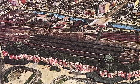 東京駅から八重洲を望む