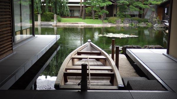 舟遊びを楽しむ「和船」