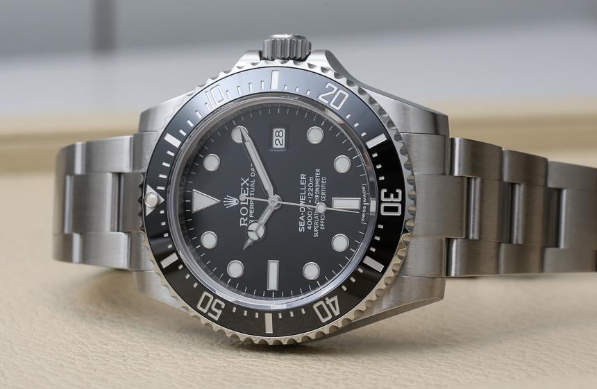 Rolex-Sea-Dweller-4000-116600-a.jpg