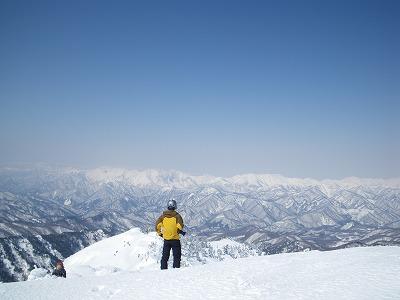 頂上から谷川連峰