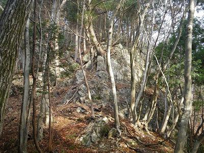 こんな岩場がいくつか