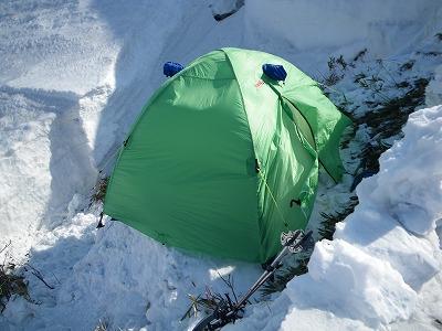 狭いテント場