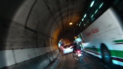 狭いトンネルR158