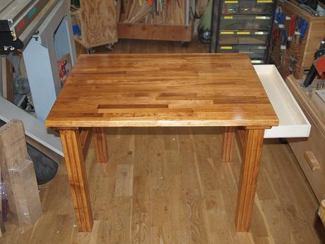 テーブル完成1