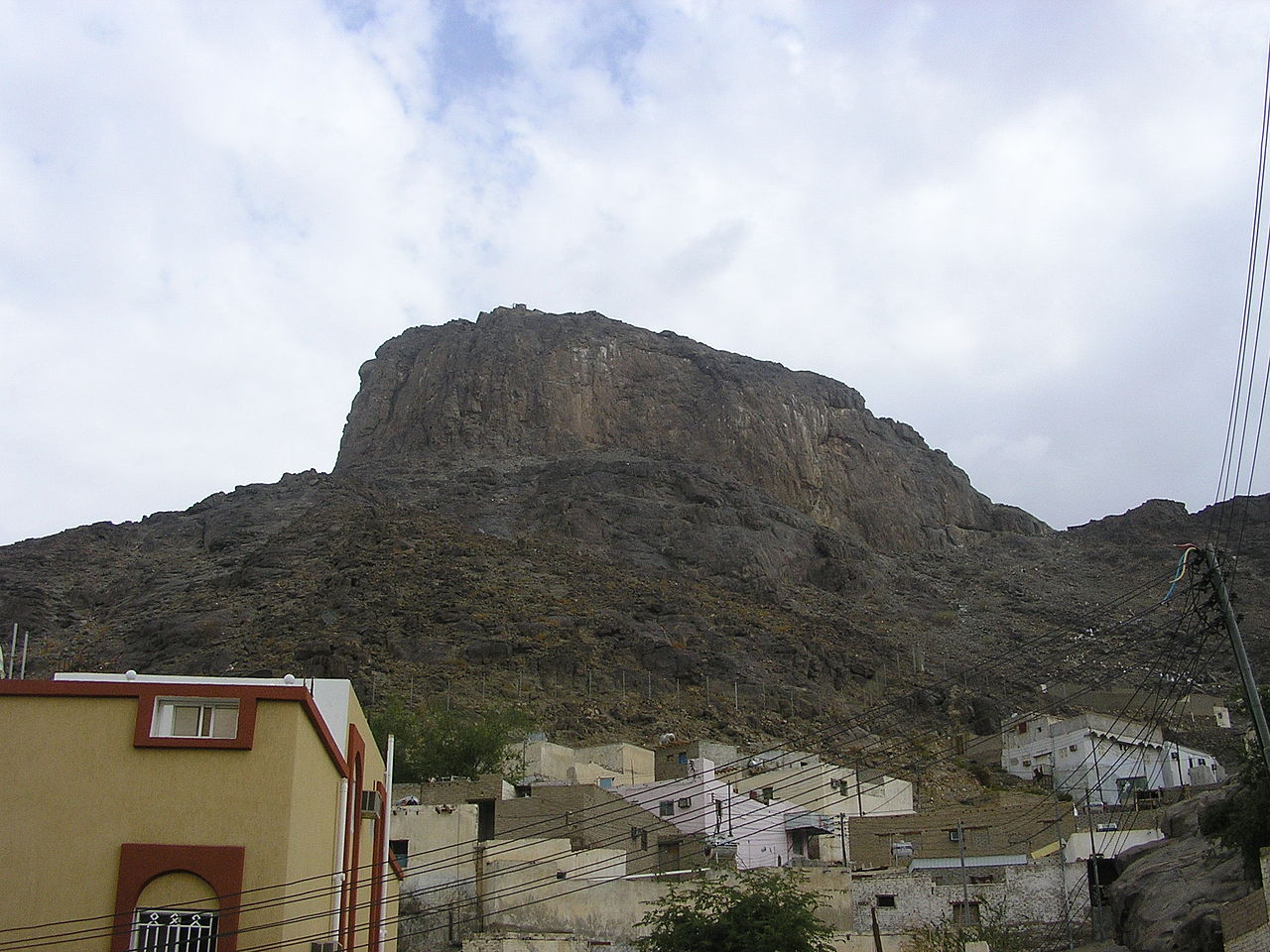 1280px-Jabal_Nur.jpg