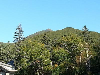 斜里岳清岳荘より山頂遠景