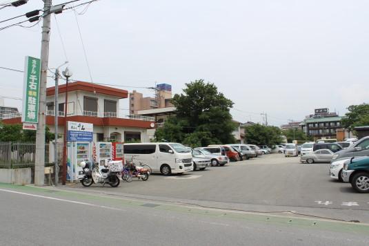 クラシックカーフェスティバル 駐車場