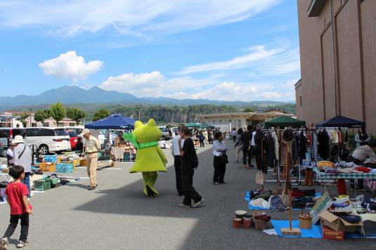 韮崎文化ホール祭り フリマ