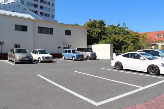 サドヤ 駐車場