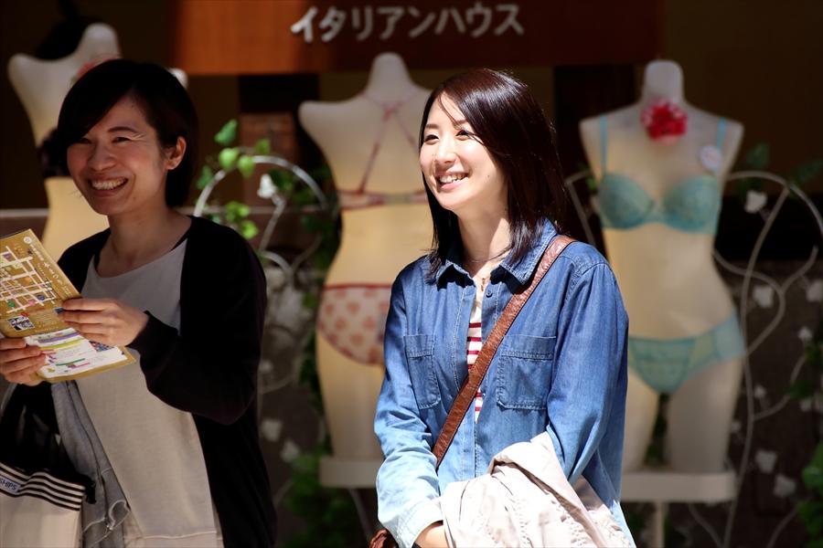 雀踊り観覧者0605