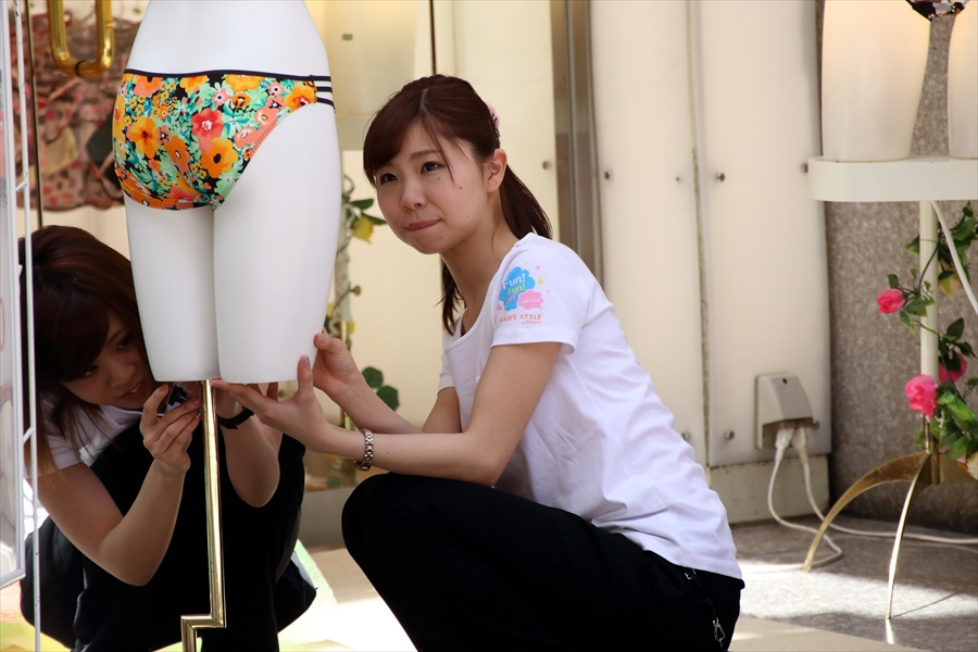 雀踊り観覧者0608