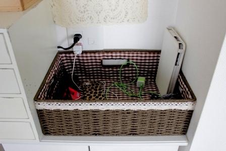 キッチンカウンター上 ワイン木箱 (6)