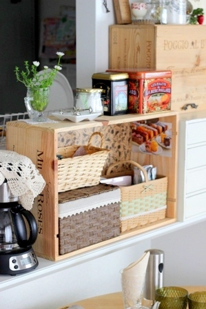 キッチンカウンター上 ワイン木箱 (4)
